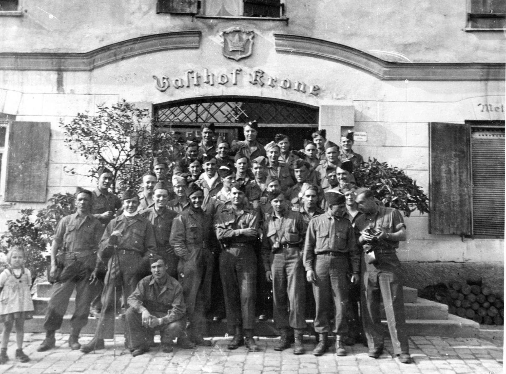 1945 05 09 le peloton caniot a oberstauffen le 9 mai 1945