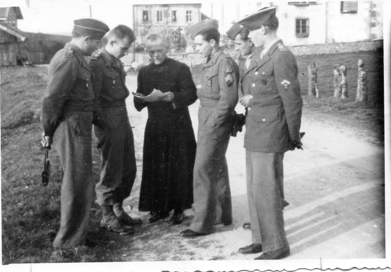 W 1945 retour au haut du tot en 1945